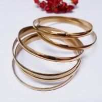 Conjunto com 6 Braceletes Dourado em Aço