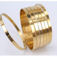 Conjunto com 7 Braceletes Dourado em Aço 5mm