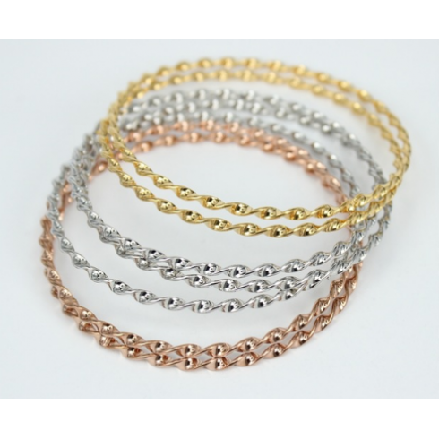 ab4243a764b Conjunto com 7 Braceletes Dourado em Aço 2mm