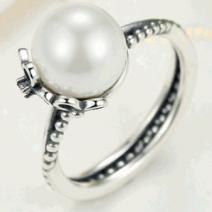 Anel Charm Europeu de Prata com Pérola e Cristal